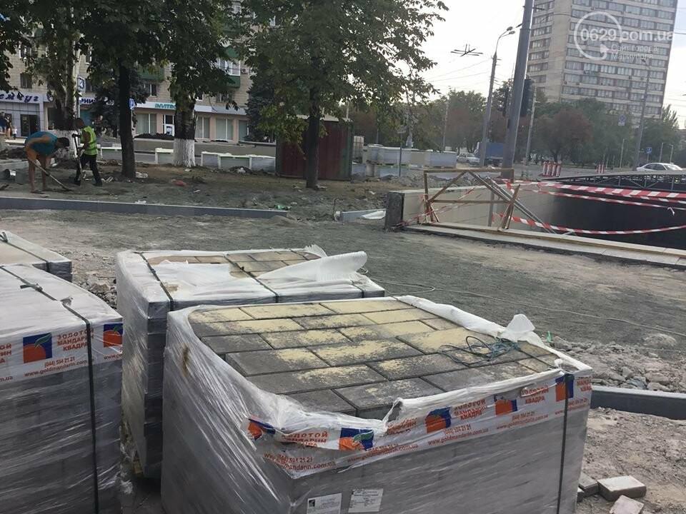 В Мариуполе закрыли выход из подземного перехода, - ФОТО, фото-11