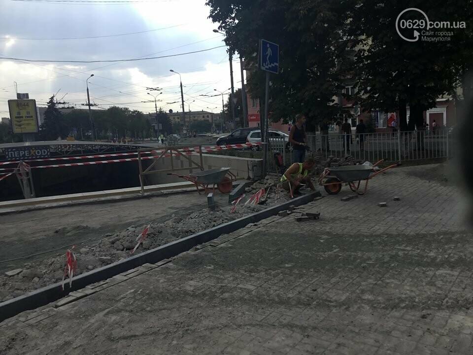 В Мариуполе закрыли выход из подземного перехода, - ФОТО, фото-4