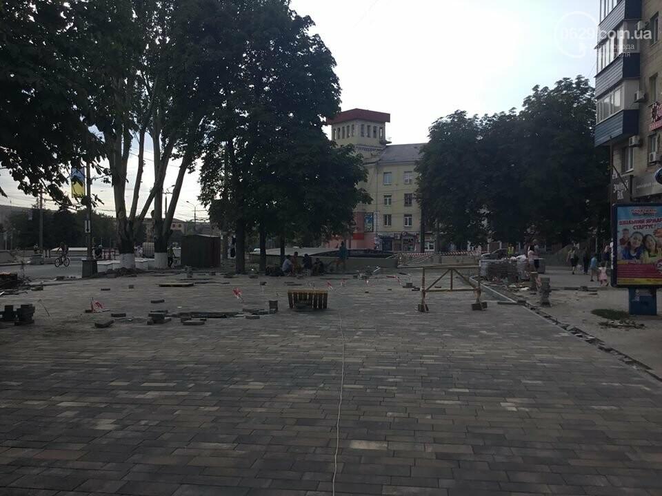 В Мариуполе закрыли выход из подземного перехода, - ФОТО, фото-6