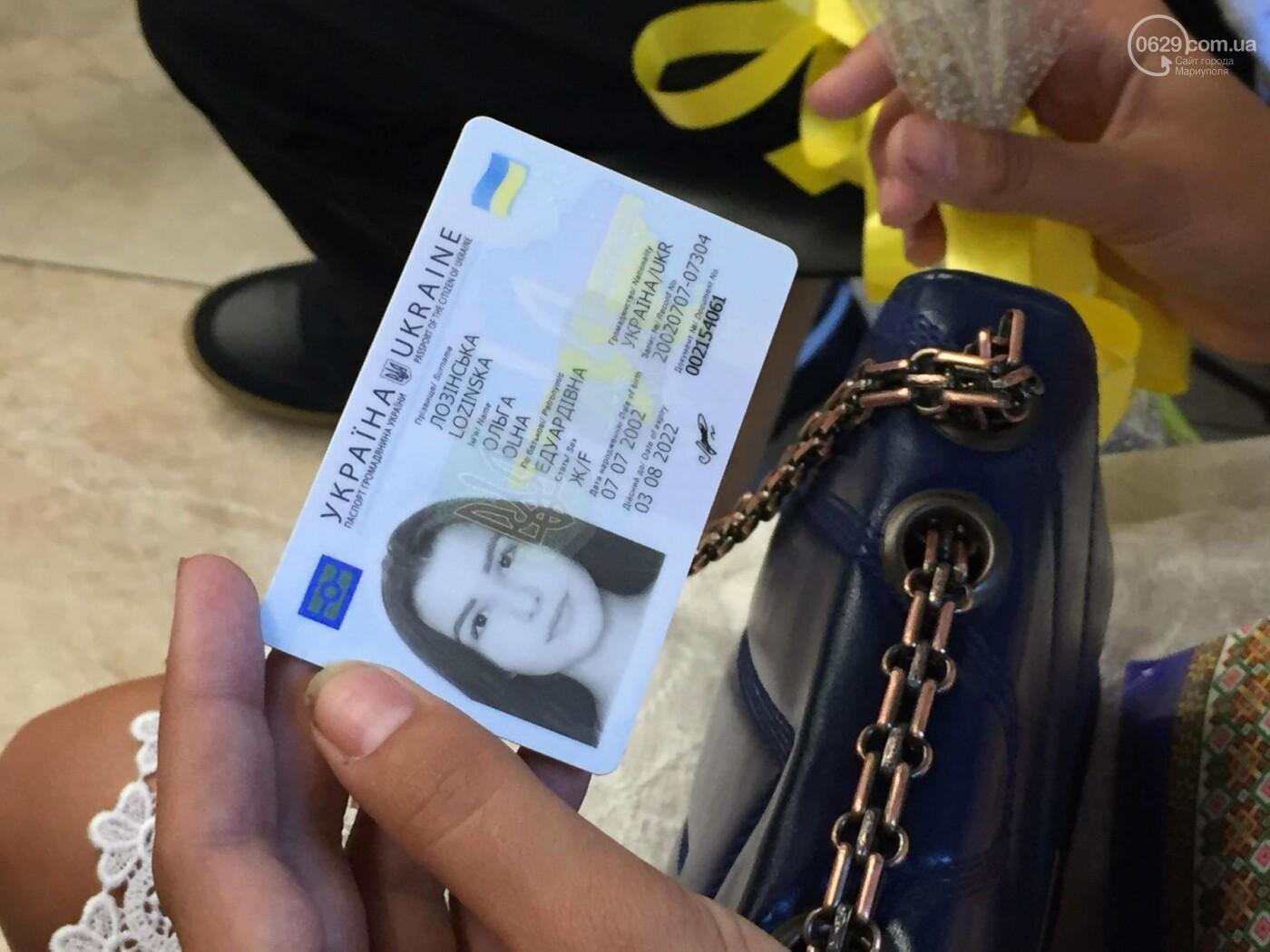 Детям-сиротам в Мариуполе вручили сертификаты на собственные квартиры,- ФОТО, ВИДЕО, фото-4