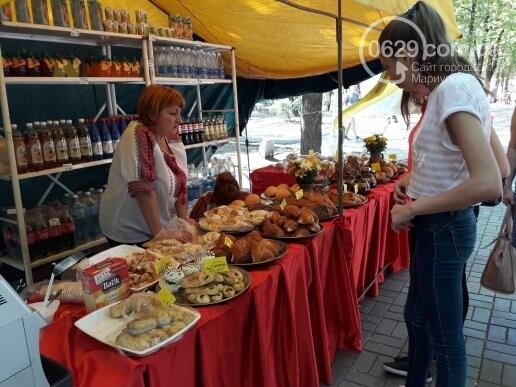В День независимости мариупольцев кормили блюдами народов мира, - ФОТОРЕПОРТАЖ, фото-28