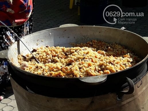 В День независимости мариупольцев кормили блюдами народов мира, - ФОТОРЕПОРТАЖ, фото-5