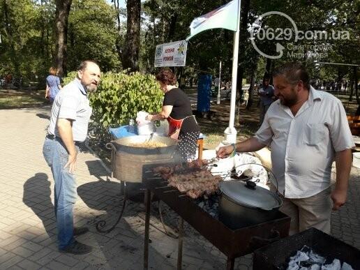 В День независимости мариупольцев кормили блюдами народов мира, - ФОТОРЕПОРТАЖ, фото-6