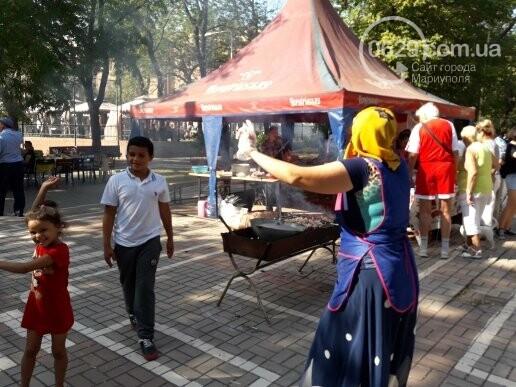 В День независимости мариупольцев кормили блюдами народов мира, - ФОТОРЕПОРТАЖ, фото-10