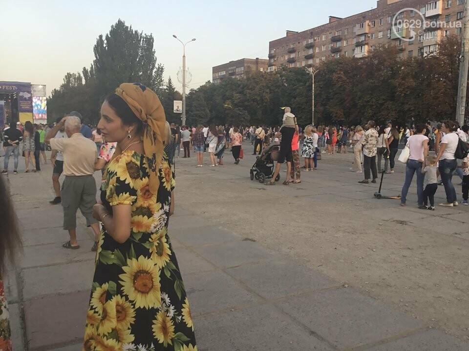В Мариуполе в честь Дня независимости пели звезды украинской эстрады, - ФОТО, ВИДЕО, фото-17
