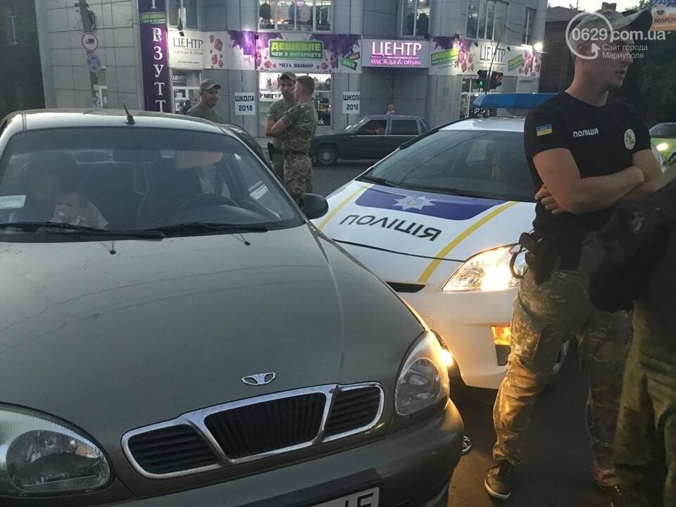 """В Мариуполе полицейский """"Приус"""" столкнулся с """"Дэу"""". Есть пострадавший, - ФОТО, ВИДЕО, фото-1"""