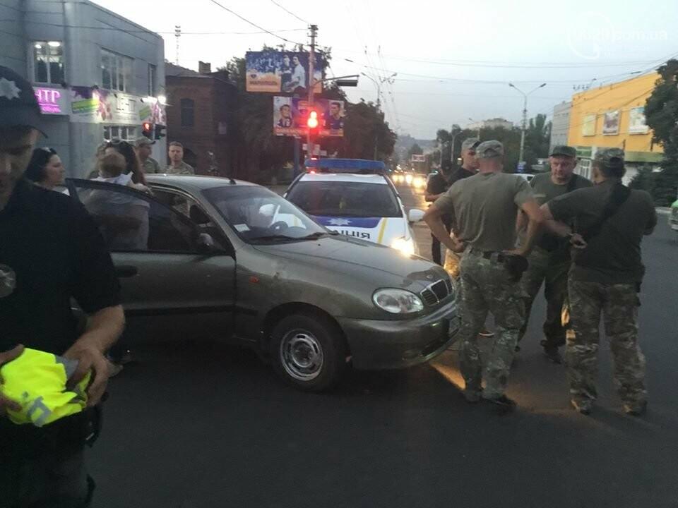 """В Мариуполе полицейский """"Приус"""" столкнулся с """"Дэу"""". Есть пострадавший, - ФОТО, ВИДЕО, фото-3"""