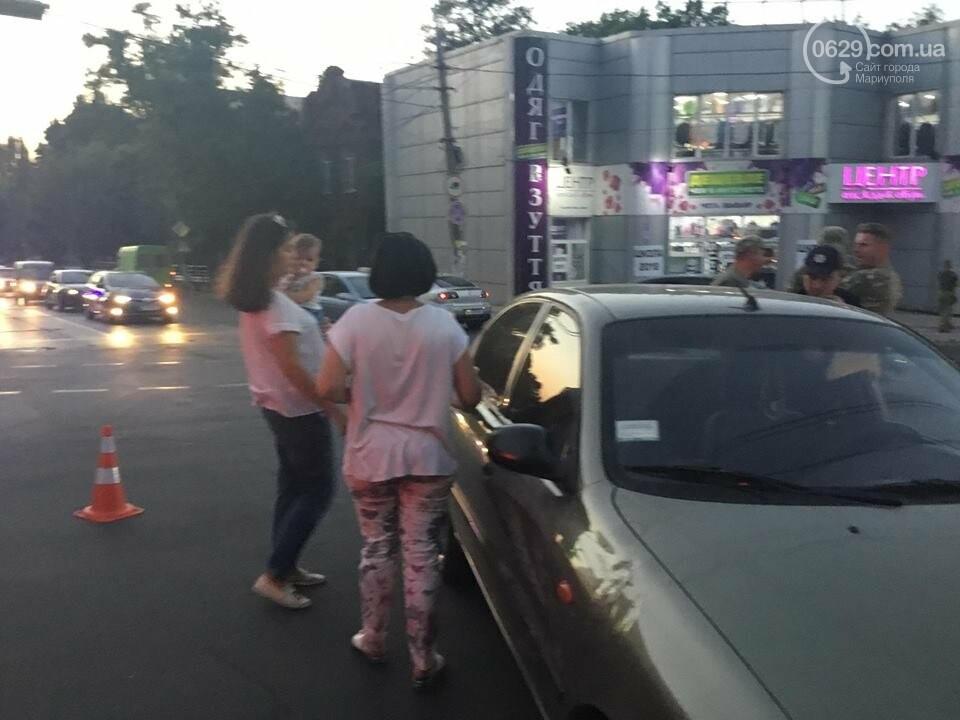 """В Мариуполе полицейский """"Приус"""" столкнулся с """"Дэу"""". Есть пострадавший, - ФОТО, ВИДЕО, фото-6"""