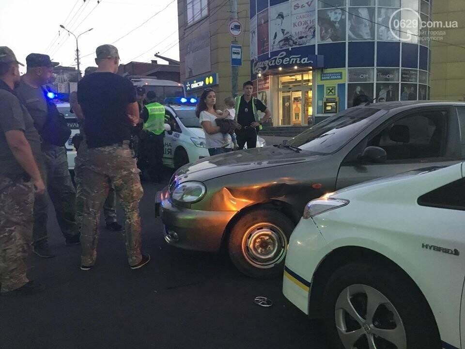 """В Мариуполе полицейский """"Приус"""" столкнулся с """"Дэу"""". Есть пострадавший, - ФОТО, ВИДЕО, фото-8"""