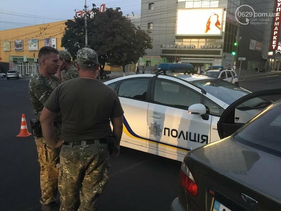 """В Мариуполе полицейский """"Приус"""" столкнулся с """"Дэу"""". Есть пострадавший, - ФОТО, ВИДЕО, фото-7"""