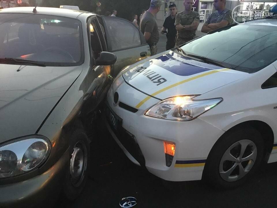 """В Мариуполе полицейский """"Приус"""" столкнулся с """"Дэу"""". Есть пострадавший, - ФОТО, ВИДЕО, фото-9"""