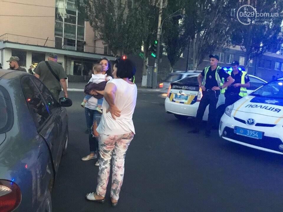 """В Мариуполе полицейский """"Приус"""" столкнулся с """"Дэу"""". Есть пострадавший, - ФОТО, ВИДЕО, фото-13"""