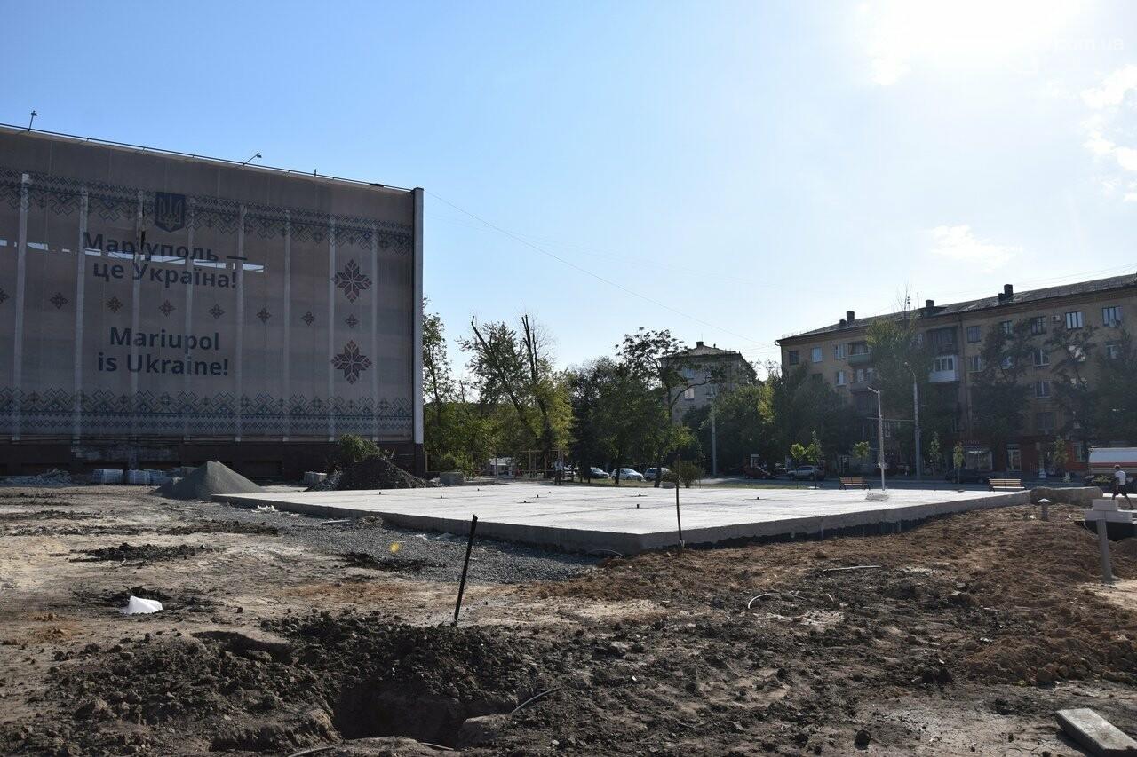 На Греческой площади в Мариуполе засыхают кустарники, но зазеленел газон, - ФОТОРЕПОРТАЖ, ВИДЕО, фото-42