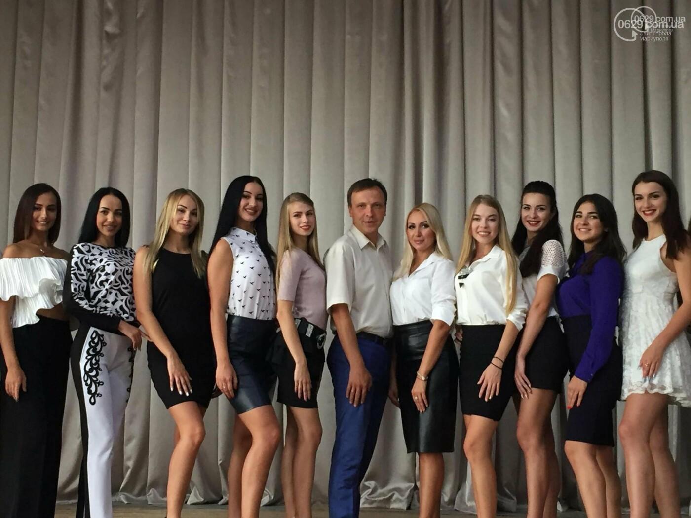 Организаторы конкурса красоты в Мариуполе передумали одевать на участниц кокошники,- ФОТО, фото-2