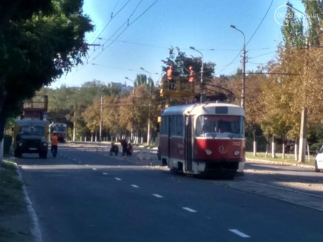 В Мариуполе на проспекте Металлургов остановилось движение трамваев, - ФОТО, фото-1