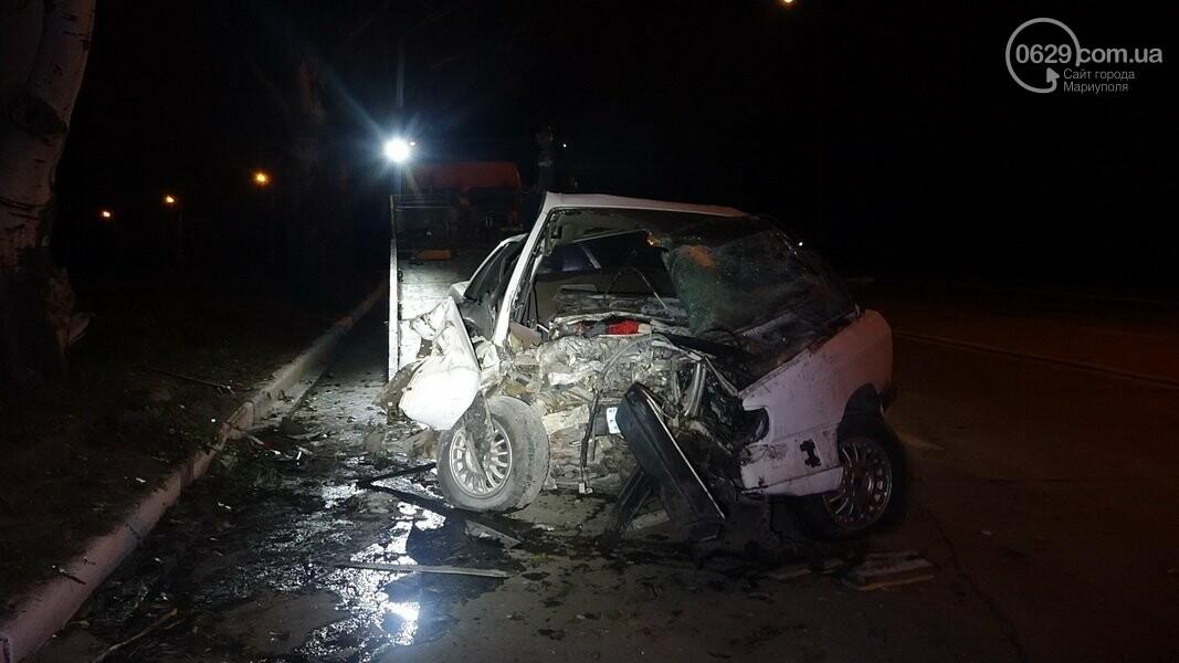 На выезде из Мариуполя автомобиль влетел в дерево, - ФОТО, фото-5