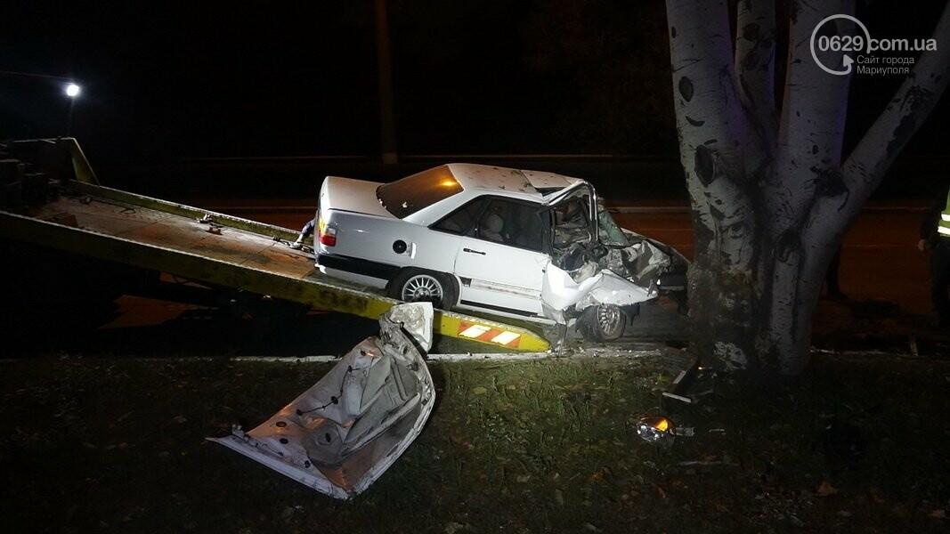 На выезде из Мариуполя автомобиль влетел в дерево, - ФОТО, фото-4