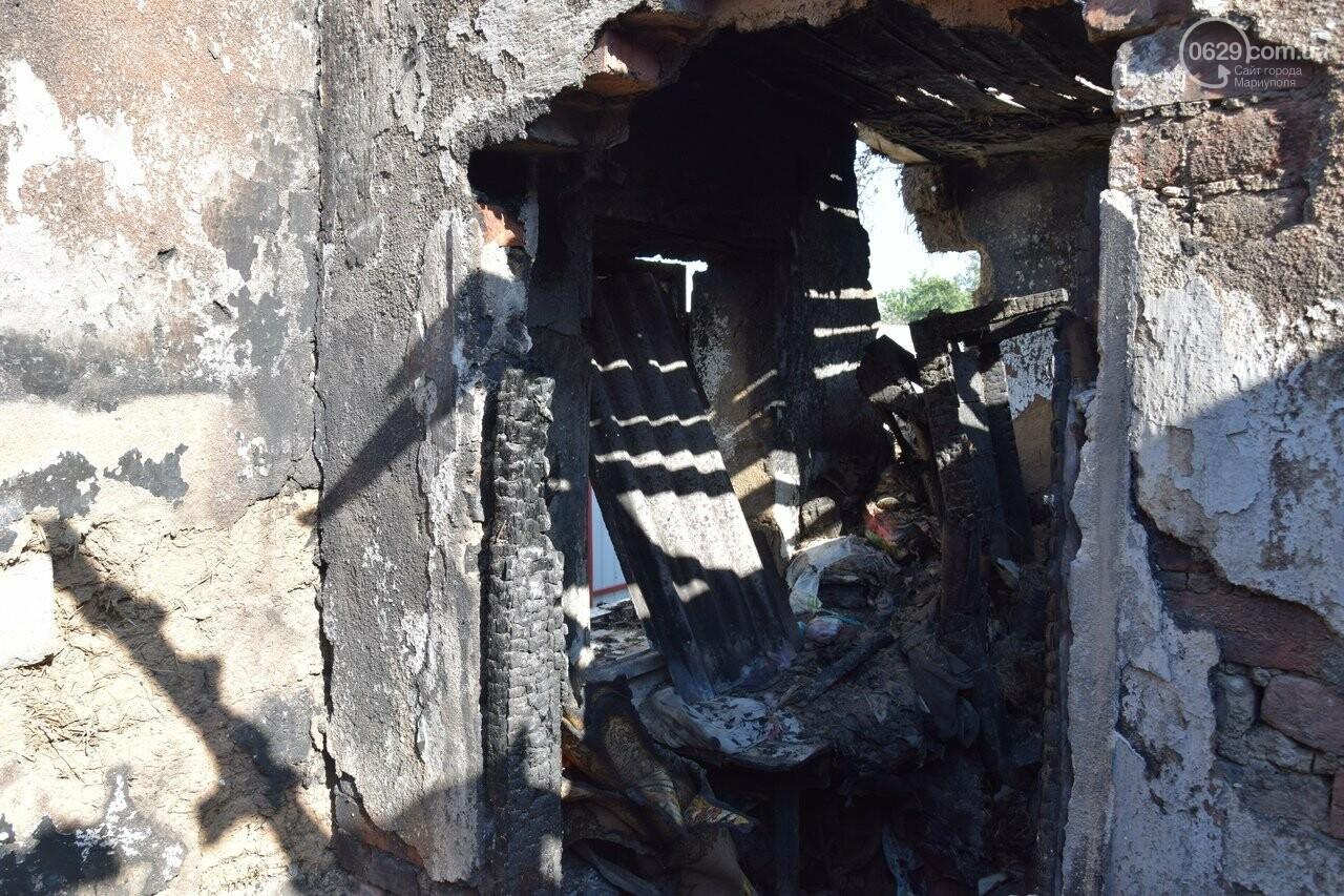 Никому не нужны! В Мариуполе две сестры-пенсионерки живут на пепелище собственного дома, - ФОТО, ВИДЕО, фото-12