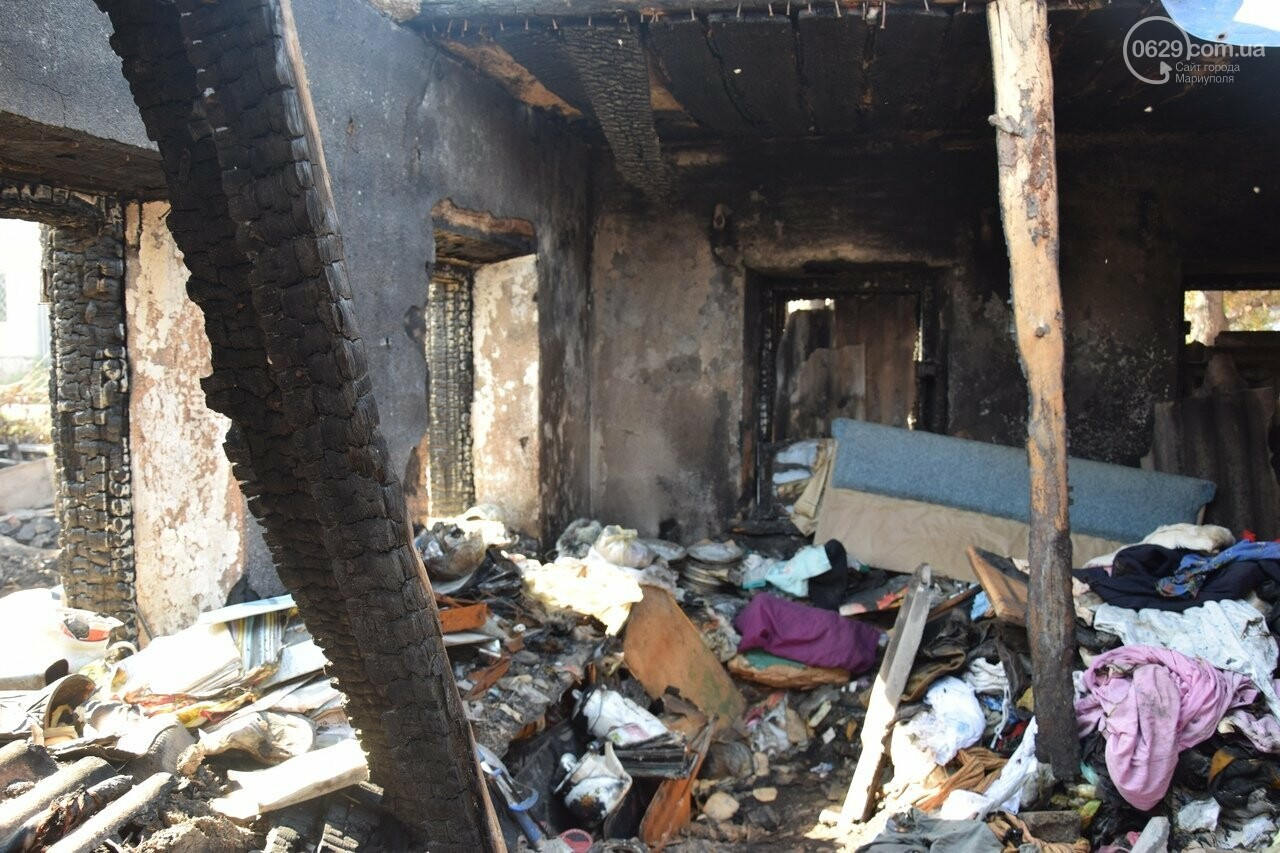 Никому не нужны! В Мариуполе две сестры-пенсионерки живут на пепелище собственного дома, - ФОТО, ВИДЕО, фото-4