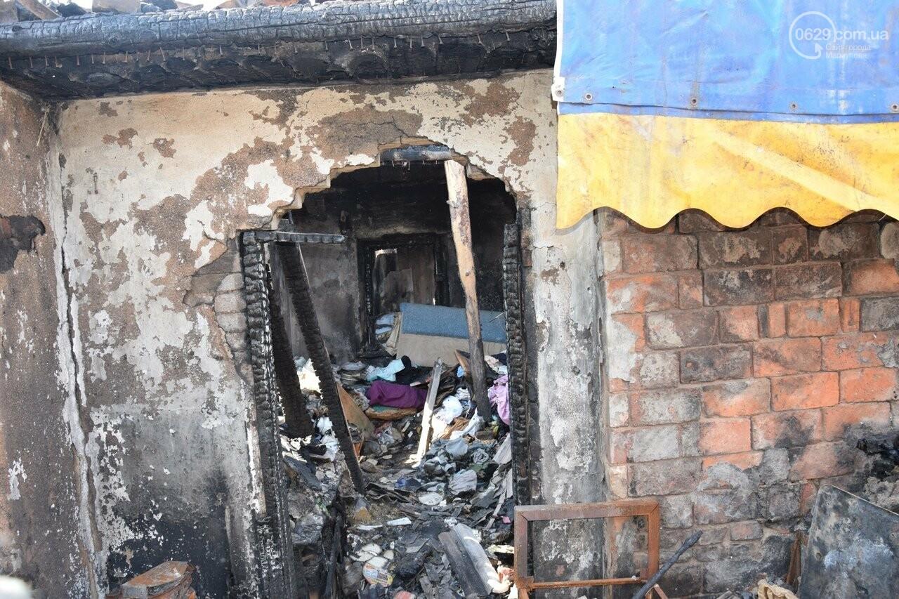 Никому не нужны! В Мариуполе две сестры-пенсионерки живут на пепелище собственного дома, - ФОТО, ВИДЕО, фото-14