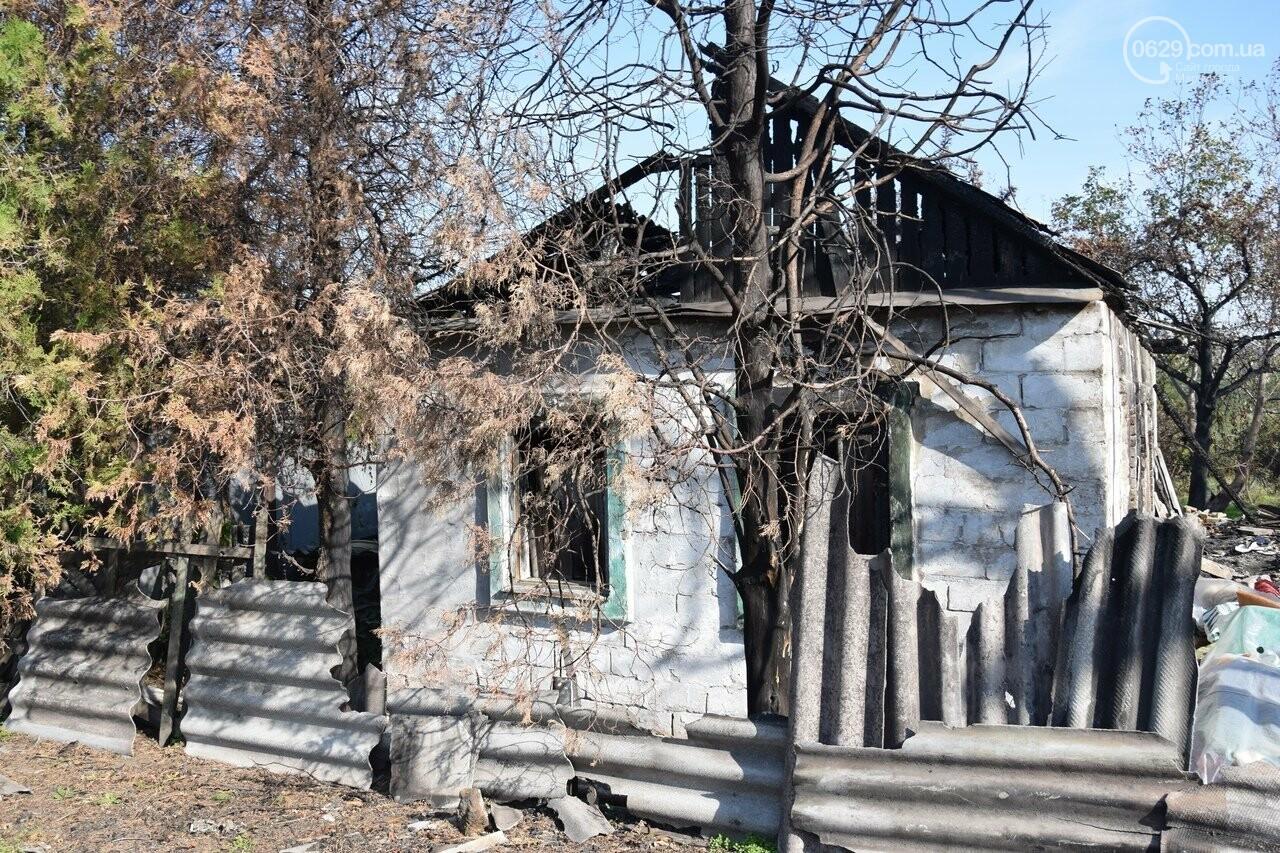 Никому не нужны! В Мариуполе две сестры-пенсионерки живут на пепелище собственного дома, - ФОТО, ВИДЕО, фото-20