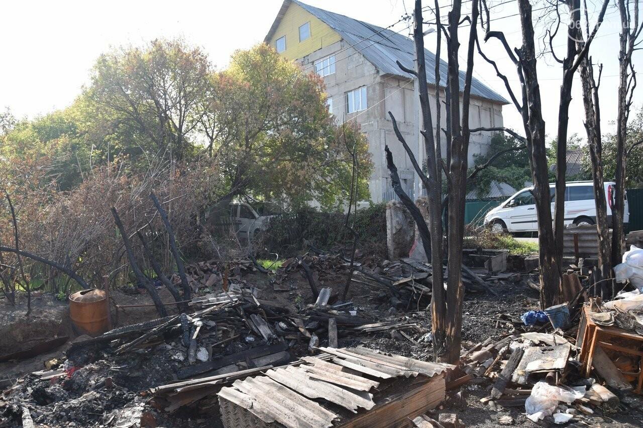 Никому не нужны! В Мариуполе две сестры-пенсионерки живут на пепелище собственного дома, - ФОТО, ВИДЕО, фото-8