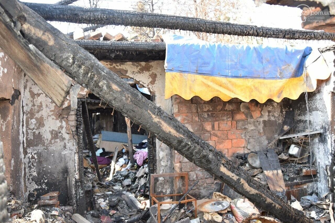 Никому не нужны! В Мариуполе две сестры-пенсионерки живут на пепелище собственного дома, - ФОТО, ВИДЕО, фото-16