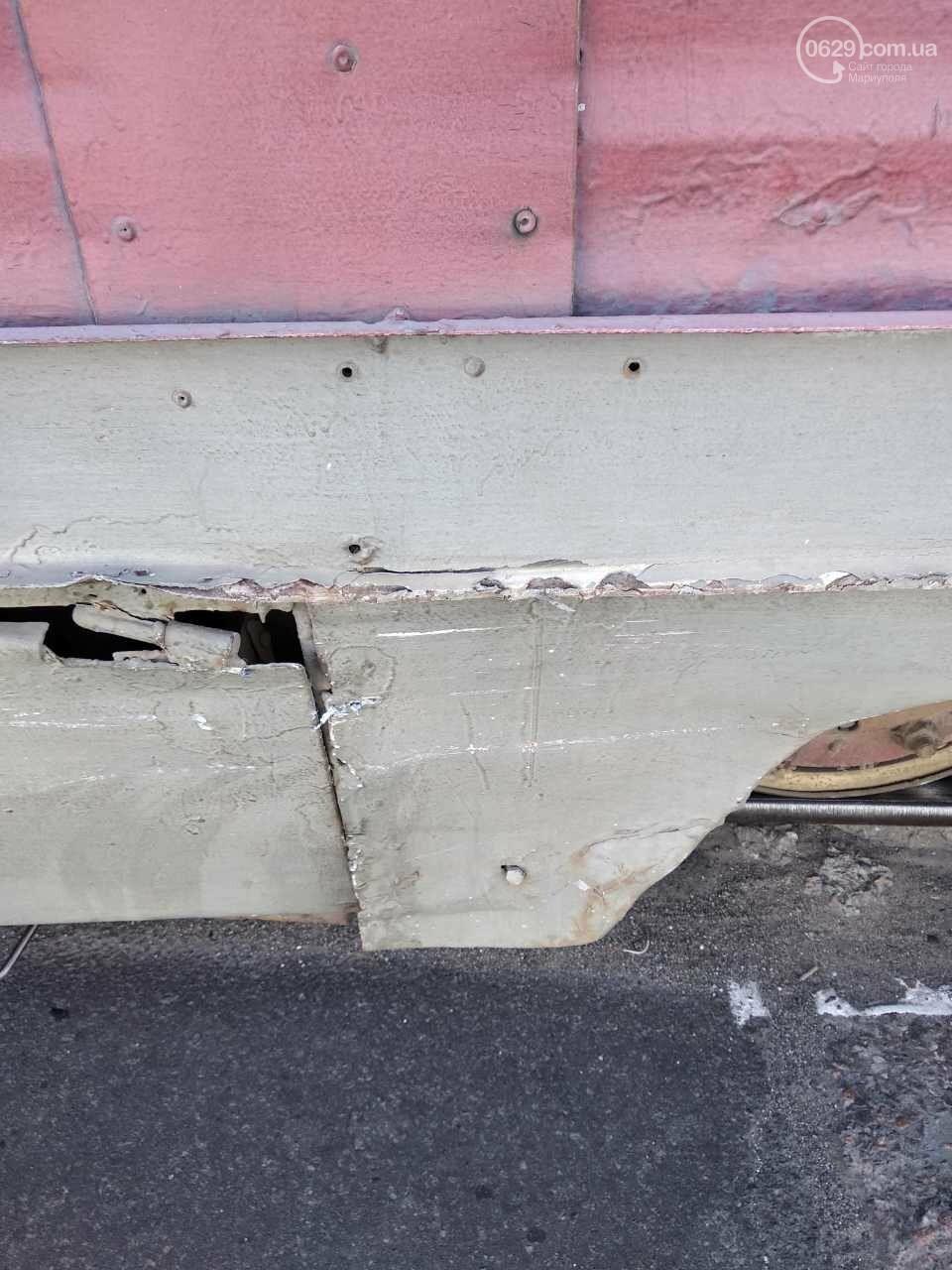 В Мариуполе столкнулись легковушка и трамвай, - ФОТО, фото-1