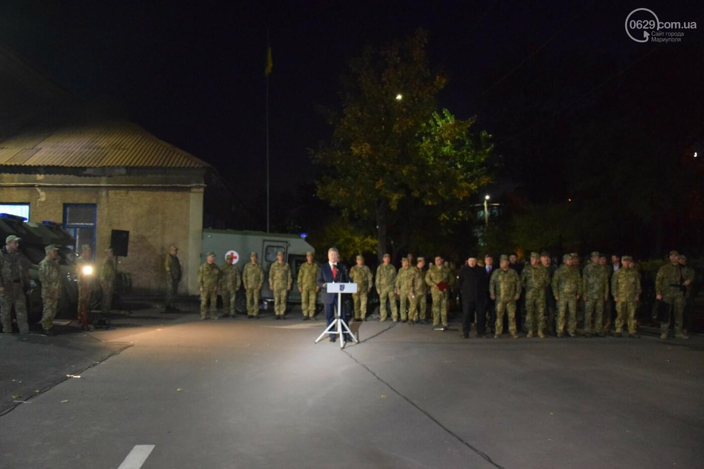 Порошенко подарил военным медикам в Мариуполе 20 современных санитарных автомобилей, - ФОТО, ВИДЕО, фото-8