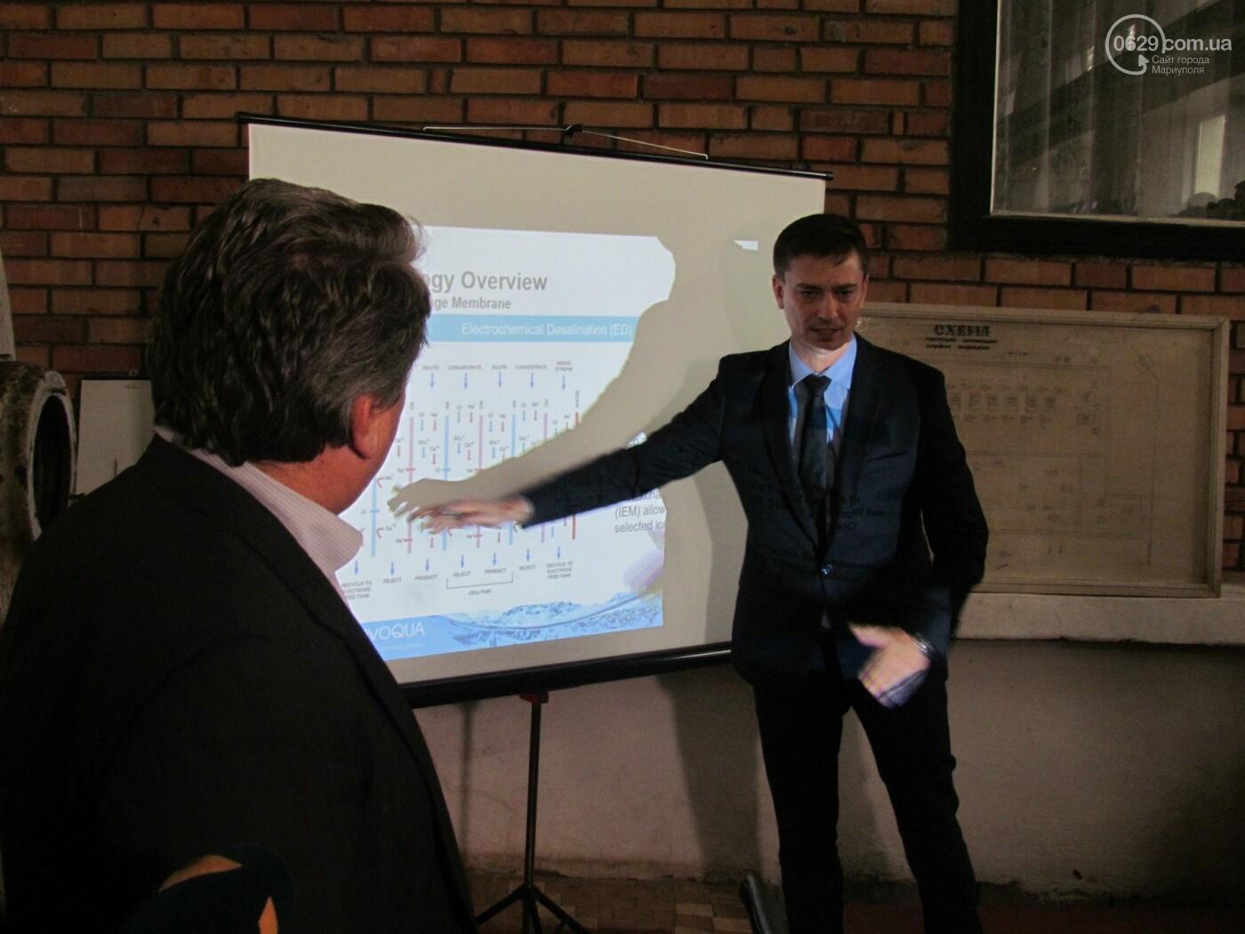 Мэр Мариуполя попробовал очищенную воду на фильтровальный станции в Каменске, - ФОТО, фото-4