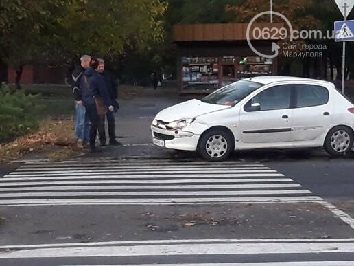 В Мариуполе три иномарки не поделили перекресток, - ФОТО, фото-2