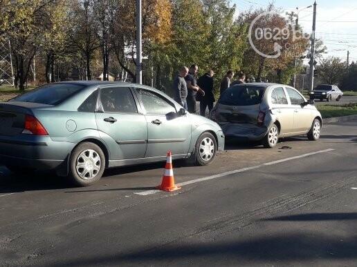 В  Мариуполе на перекрестке столкнулись три иномарки, пострадали двое детей, - ФОТО, фото-8
