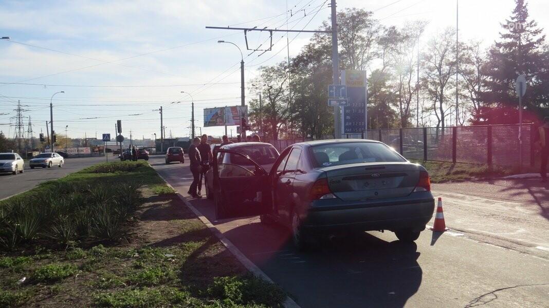 В  Мариуполе на перекрестке столкнулись три иномарки, пострадали двое детей, - ФОТО, фото-11