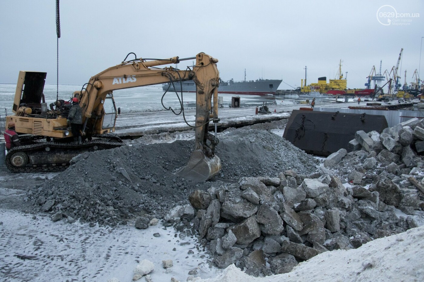 Из-за строительства Керченского моста и незаконной блокады порт Мариуполя потерял 6 миллиардов гривен, - ФОТО, фото-8