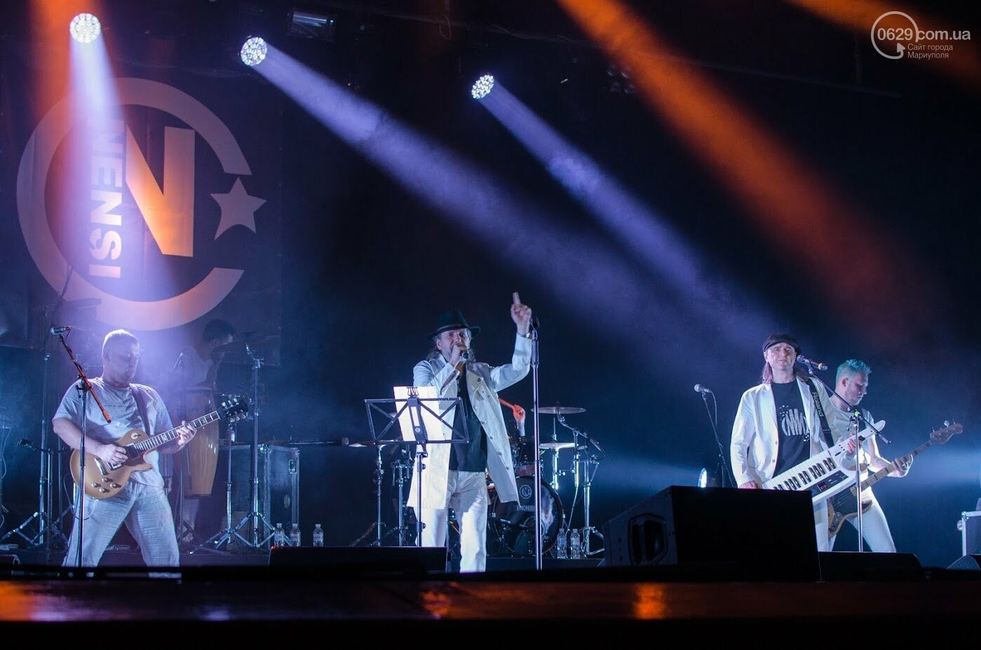 """В Мариуполе  выступила известная группа """"Нэнси"""", - ФОТО, ВИДЕО, фото-2"""