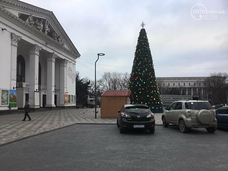 В Мариуполь из Киева привезли карусель и снег, - ФОТОРЕПОРТАЖ, фото-21