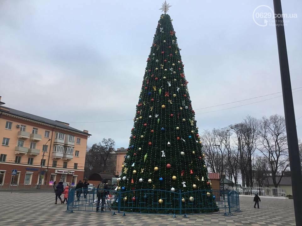 В Мариуполь из Киева привезли карусель и снег, - ФОТОРЕПОРТАЖ, фото-24
