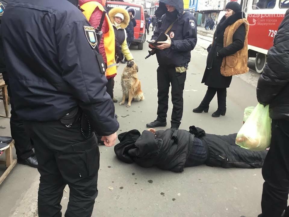 Пьяный мариуполец заблокировал движение трамваев на Центральном рынке, - ФОТО, ВИДЕО, фото-3