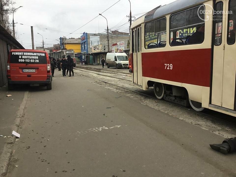 Пьяный мариуполец заблокировал движение трамваев на Центральном рынке, - ФОТО, ВИДЕО, фото-5