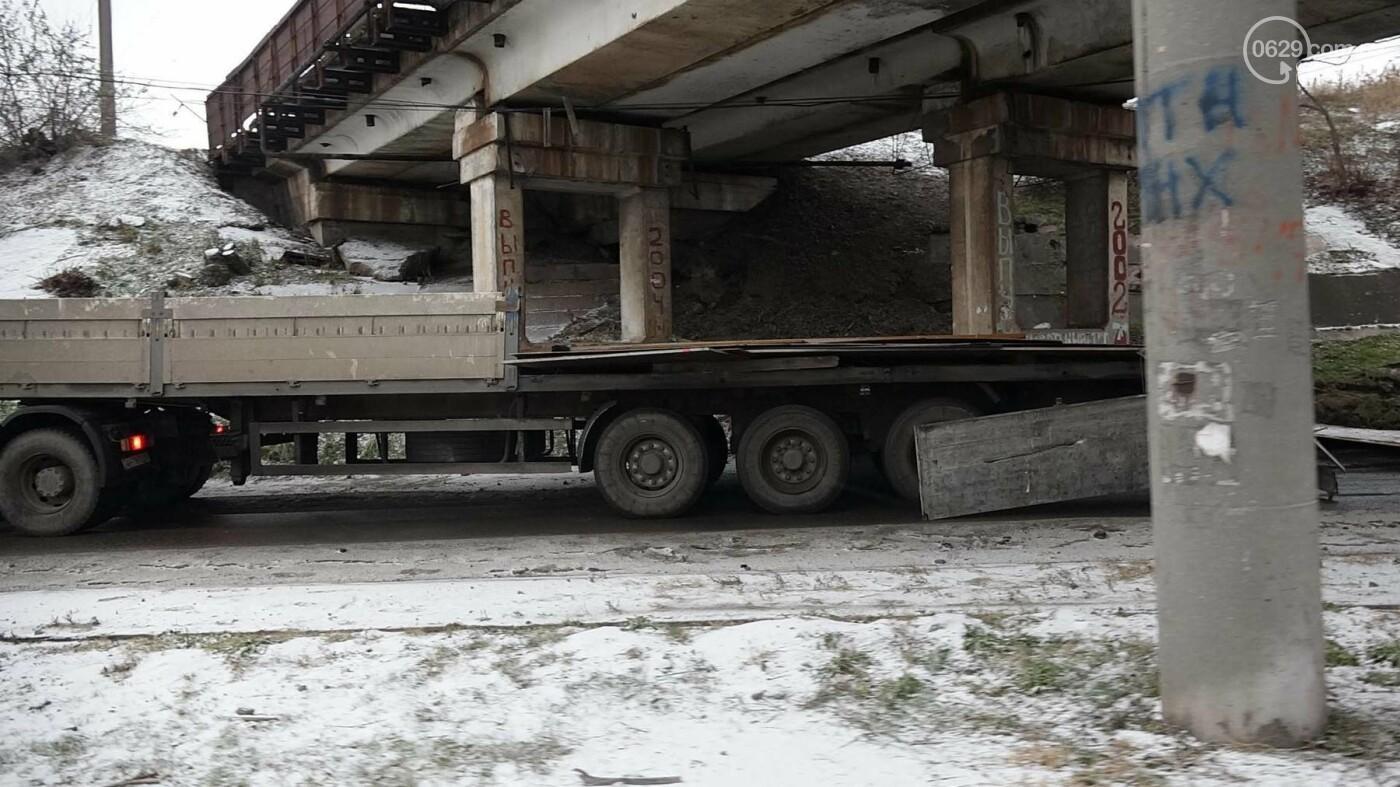 В Мариуполе МАЗ по дороге растерял железо, - ФОТО, фото-8