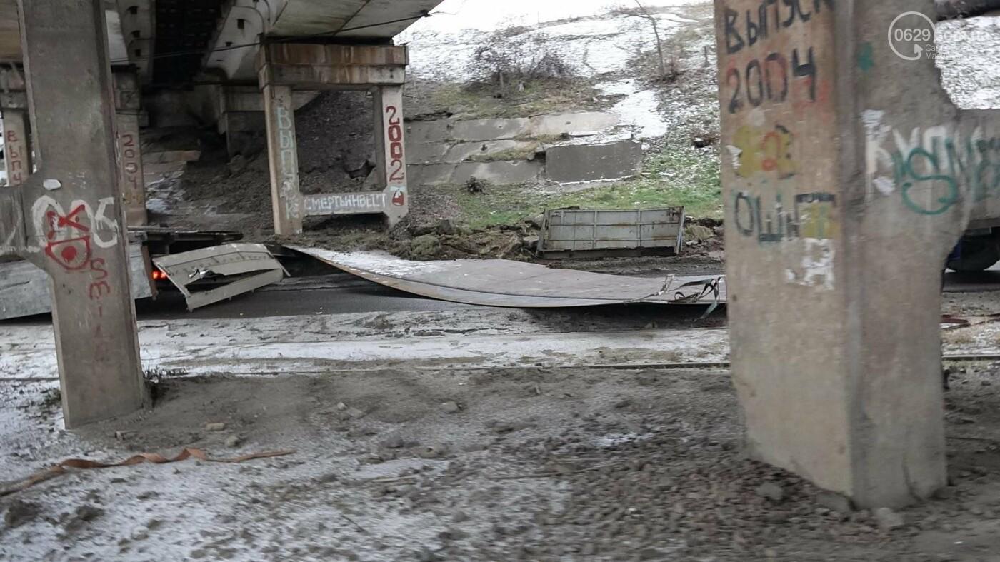 В Мариуполе МАЗ по дороге растерял железо, - ФОТО, фото-7