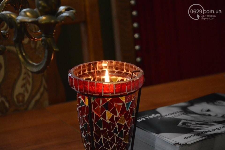 Пластуны Мариуполя передали Вифлеемский огонь мира в храмы Донецкой области, - ФОТО, фото-1