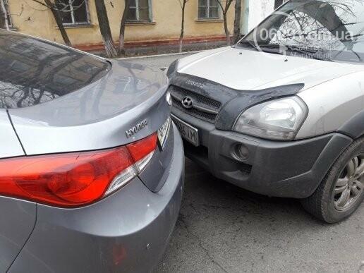"""В Мариуполе сразу два """"Ниссана"""" попали в аварию на пр. Нахимова,- ФОТО, фото-3"""