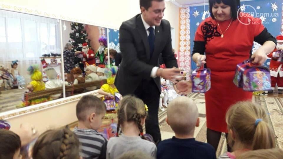 Дети из прифронтовых сел впервые получили сладкие подарки от областной администрации,- ФОТО, фото-2