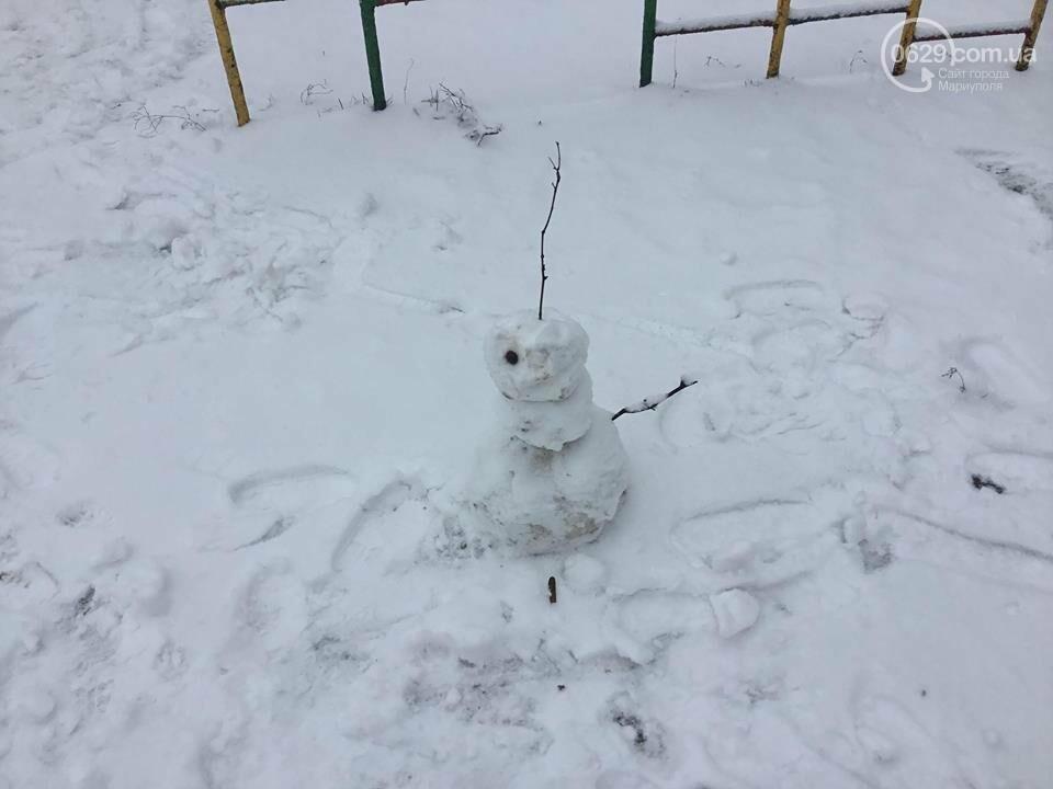 В Мариуполе выпал снег: горожане лепят снеговиков, - ФОТО, ВИДЕО, фото-5
