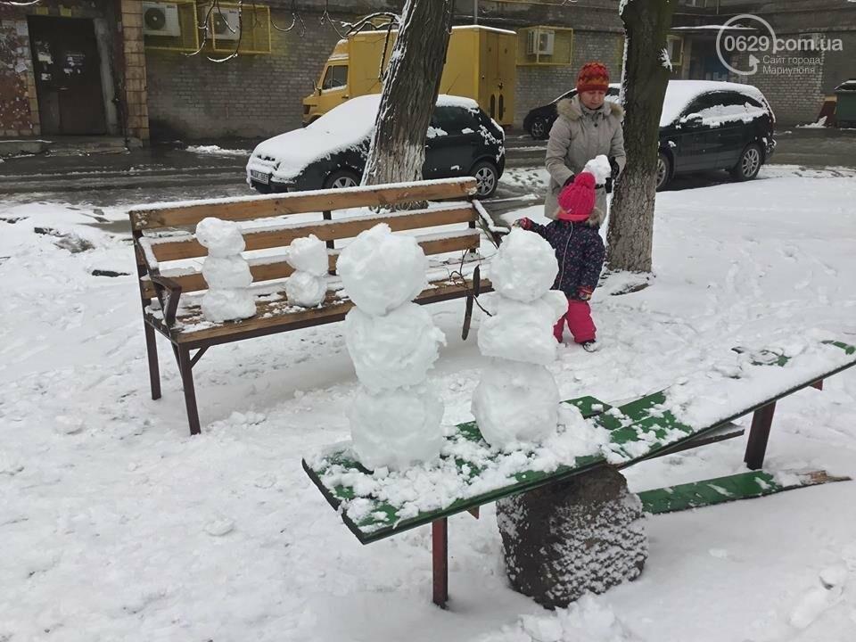 В Мариуполе выпал снег: горожане лепят снеговиков, - ФОТО, ВИДЕО, фото-3