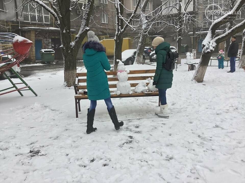 В Мариуполе выпал снег: горожане лепят снеговиков, - ФОТО, ВИДЕО, фото-1