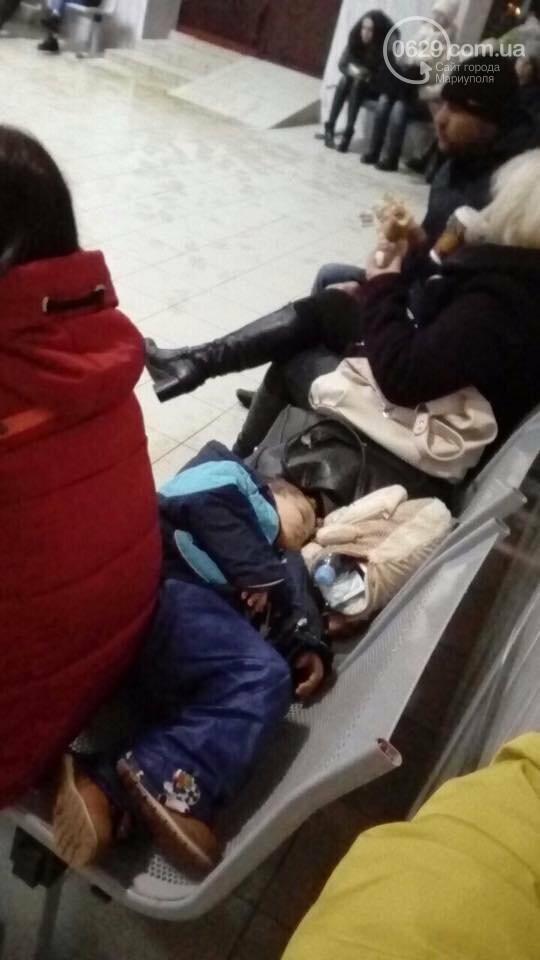Пассажиры сломанного автобуса Краснодар-Мариуполь более 8 часов просидели на морозе, - ФОТО, ВИДЕО, фото-3