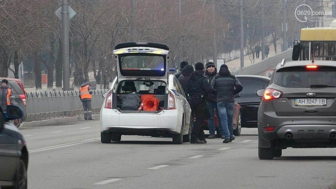 В центре Мариуполя столкнулись BMW и Hyundai, - ФОТО, фото-1