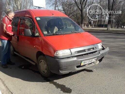 """В Мариуполе """"Шкода"""" столкнулась с микроавтобусом, - ФОТО, фото-9"""